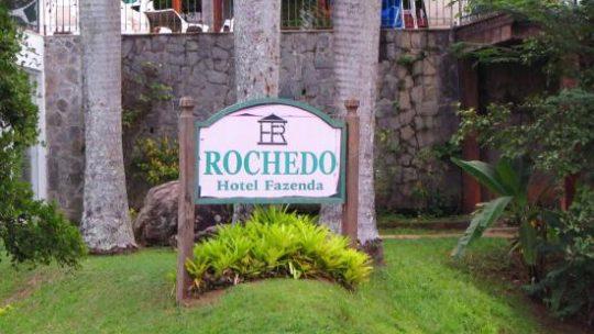 HOTEL QUASE FAZENDA ROCHEDO: VALE A PENA VISITAR